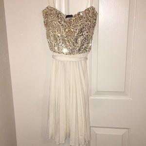 Beautiful Homecoming/ Formal Dress